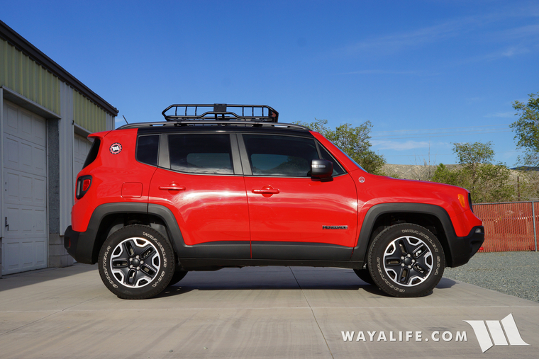 thule aeroblade cross bars rhino rack xtray cargo basket for our jeep renegade. Black Bedroom Furniture Sets. Home Design Ideas