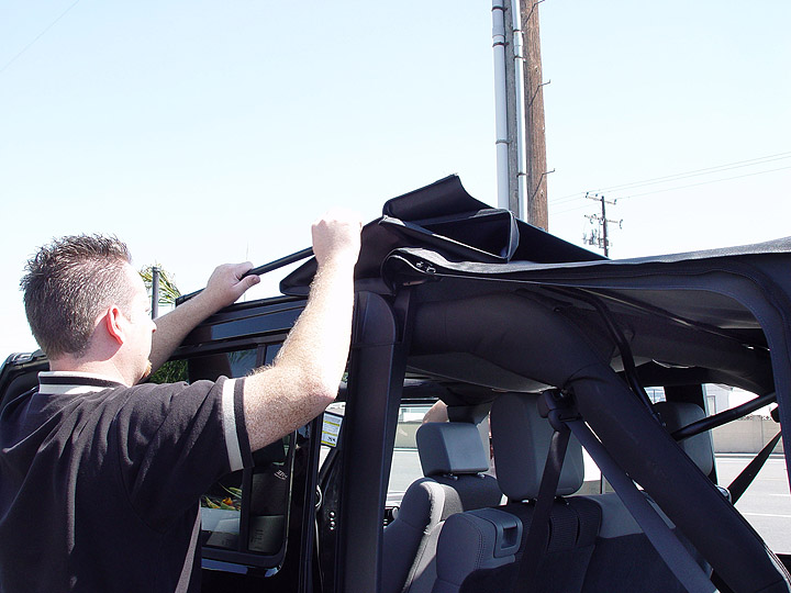 Go Topless Lowering The Sunrider Soft Top On A 2007 Jeep